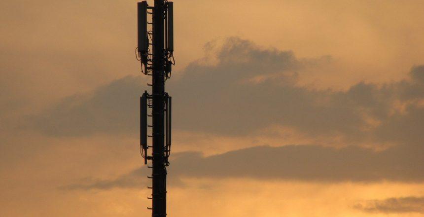 radio-tower-2495325_1280